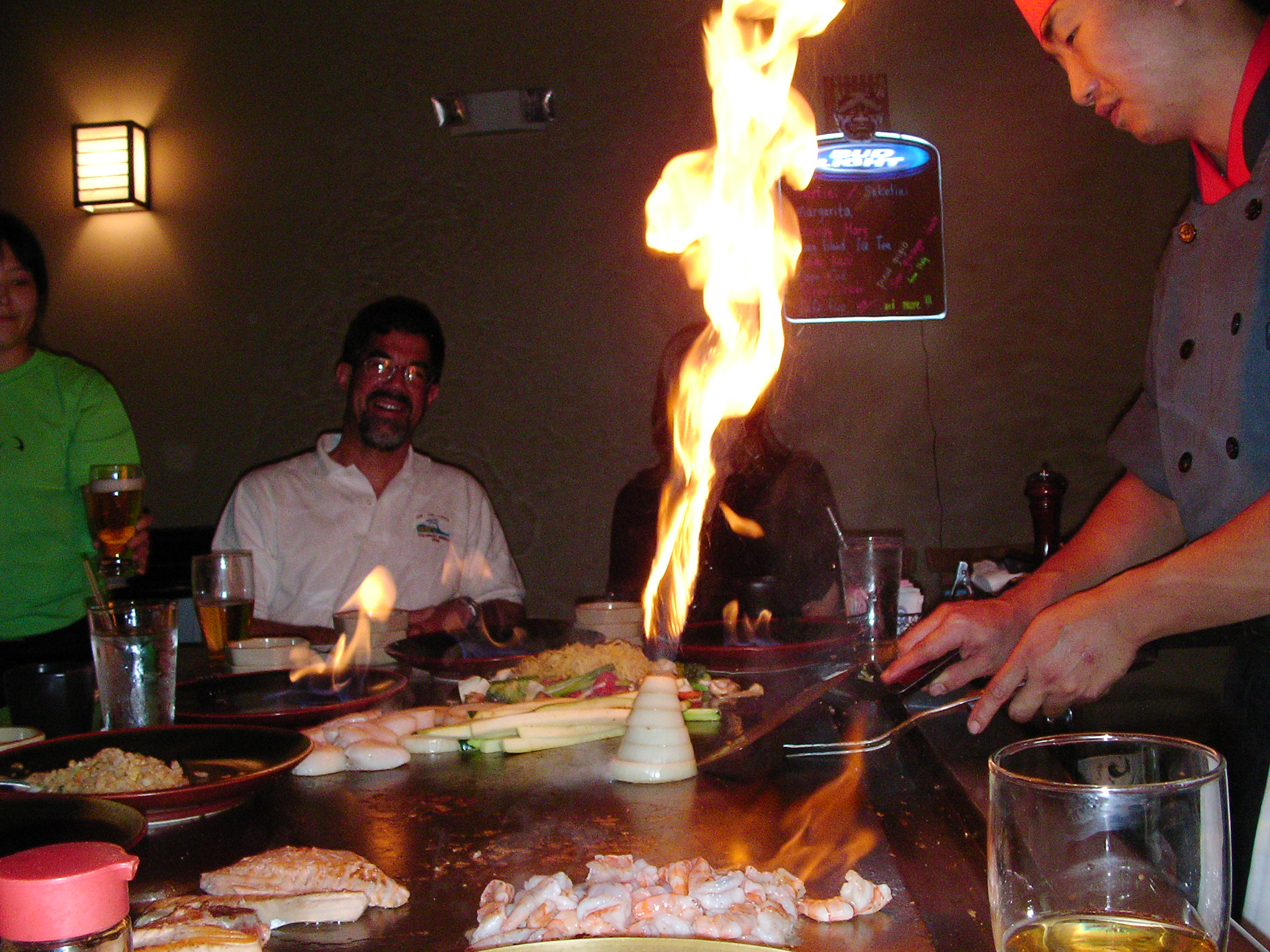 illustro treated some customers to a night out at a Japanese restaurant -- and things were hot!